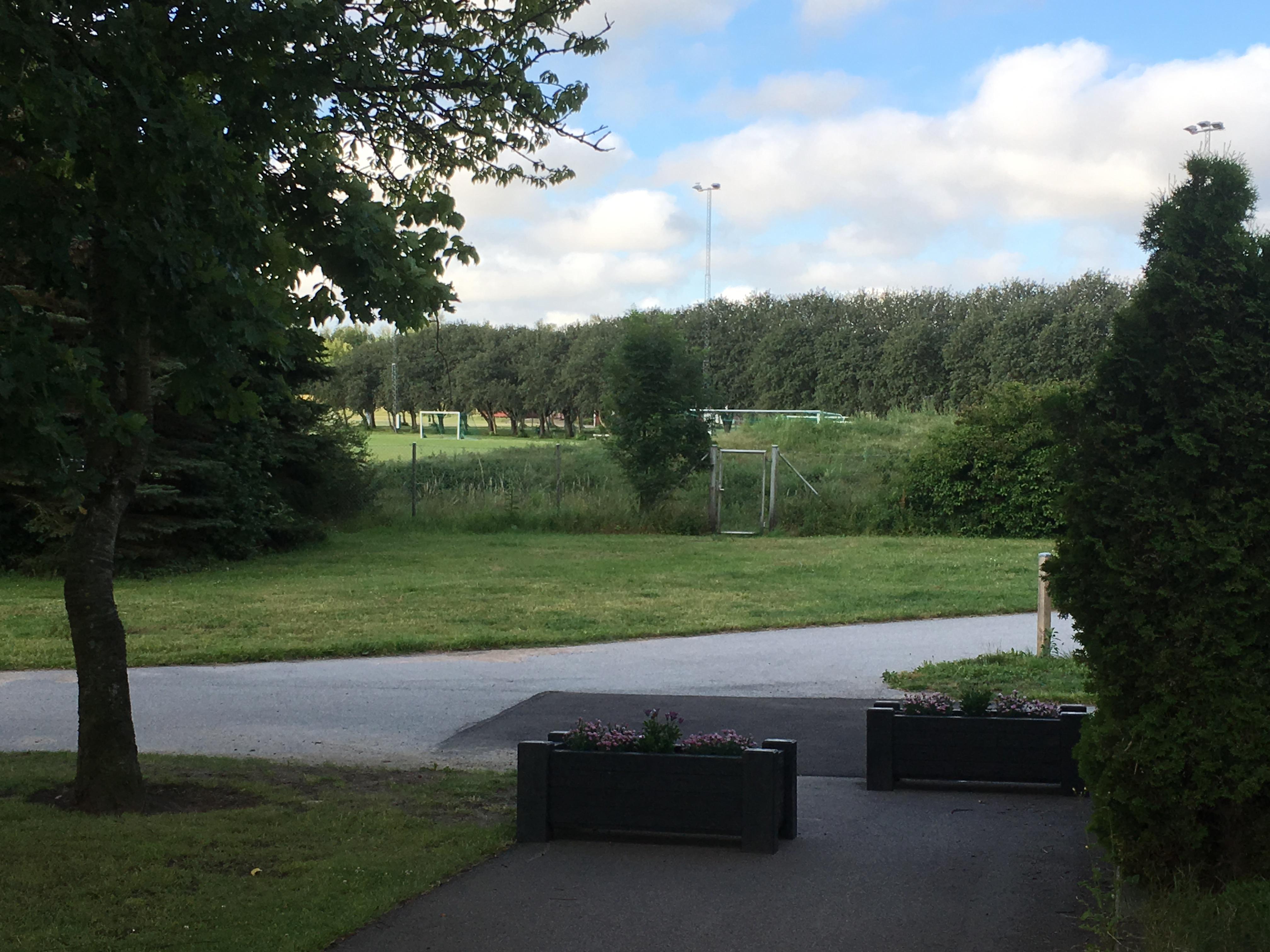 Idrottsplatsen ligger granne med Brf Bogesholm