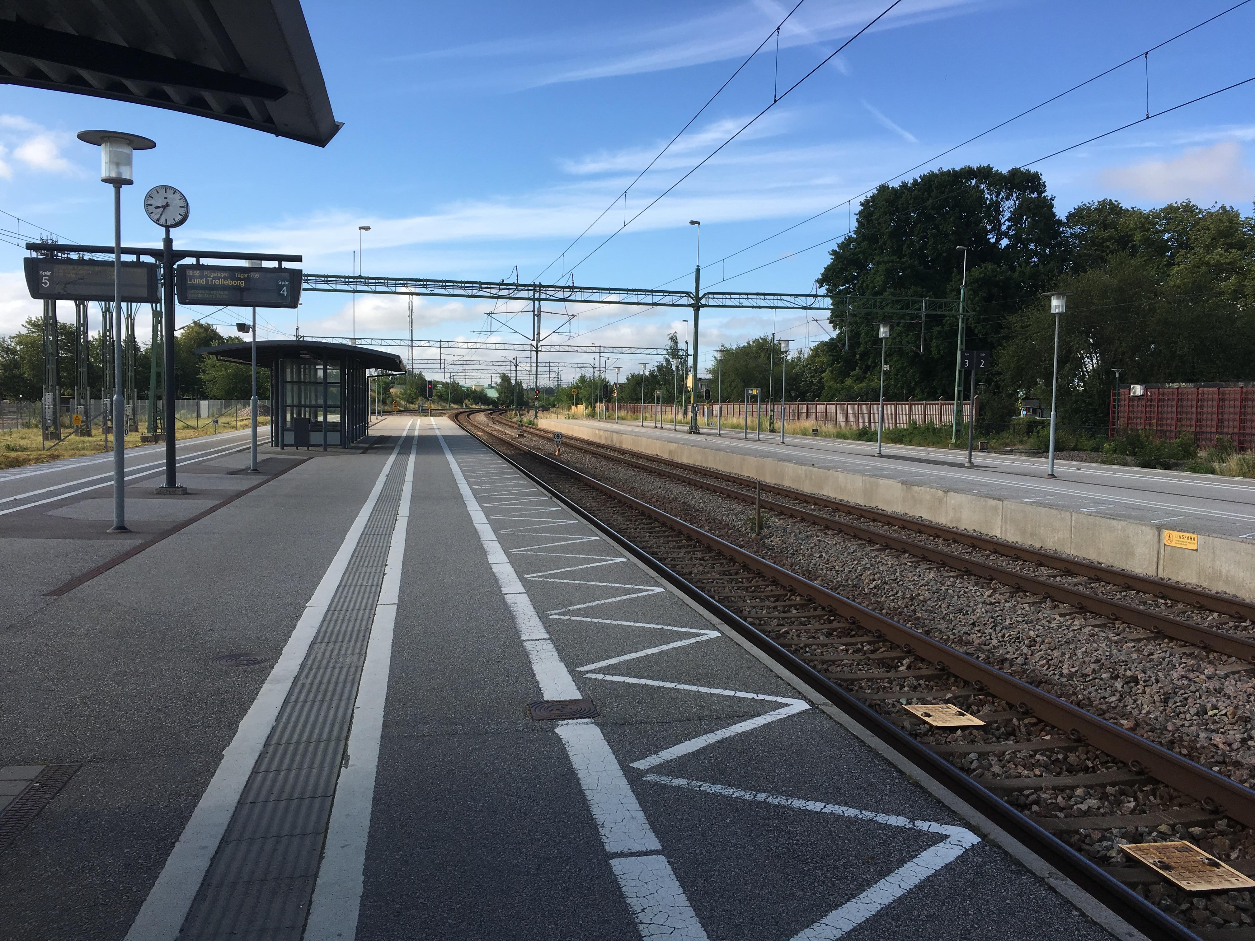 Tåg mot Lund, Malmö, Köpenhamn, Helsingborg, Halmstad, Göteborg